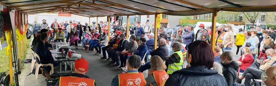 le 29/05/2021, à Condé-en-Normandie, les cheminots réclament le retour de la ligne Caen-Flers